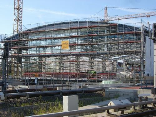 Dachgiebel der Bahnsteihalle Ostkreuz