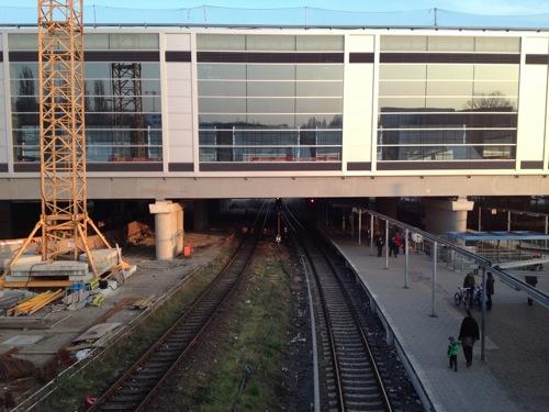 S-Bahnsteig stadteinwaerts