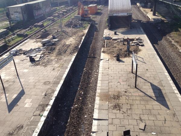 Westseite des alten Bahnsteigs Warschauer Straße