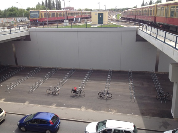 Fahrradparkplätze am Bahnhof Ostkreuz