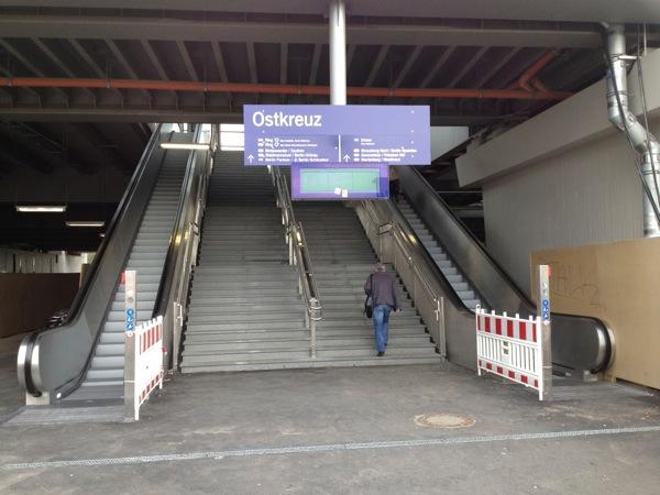 Roltreppen am Zugang Sonntagstraße