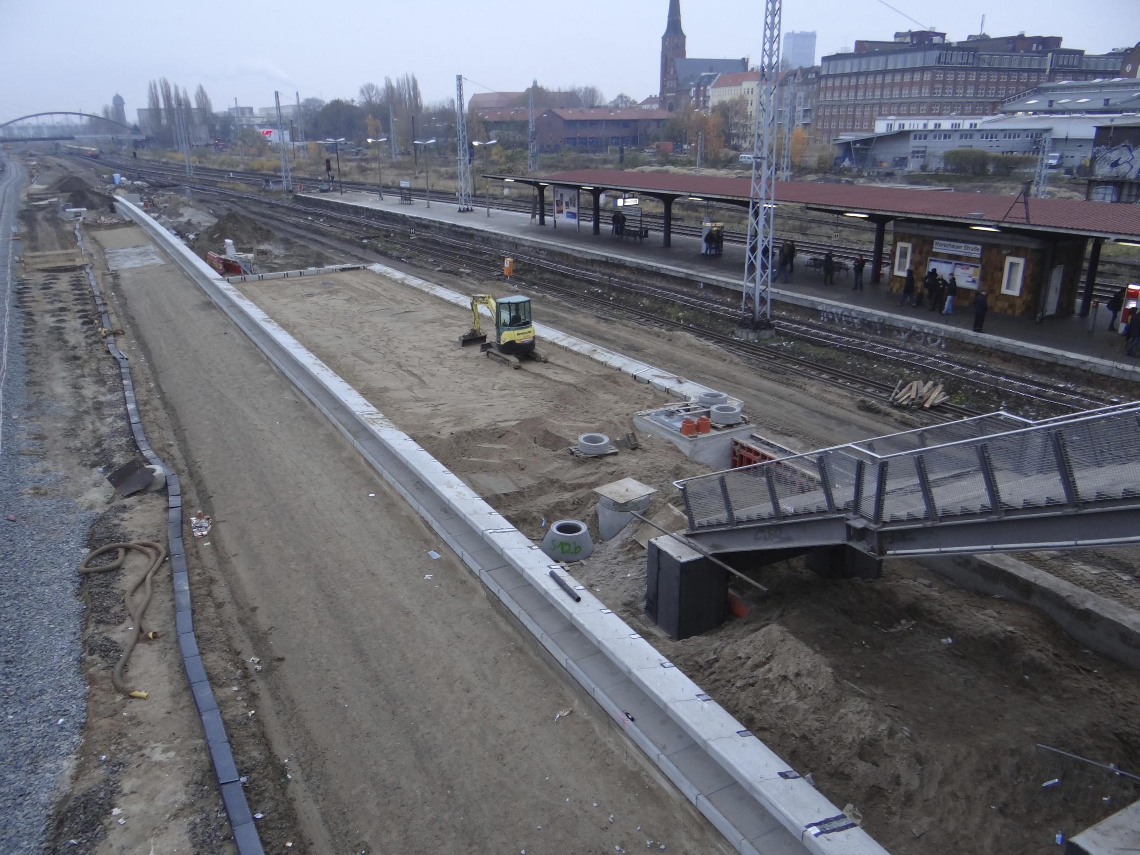 Bahnsteig B Warschauer Straße