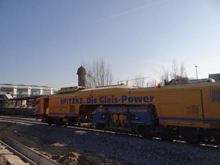 Gleisstopfmaschine von Spitzke am Ostkreuz