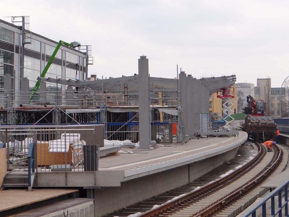 Bahnsteigdach des Bahnsteigs Ro