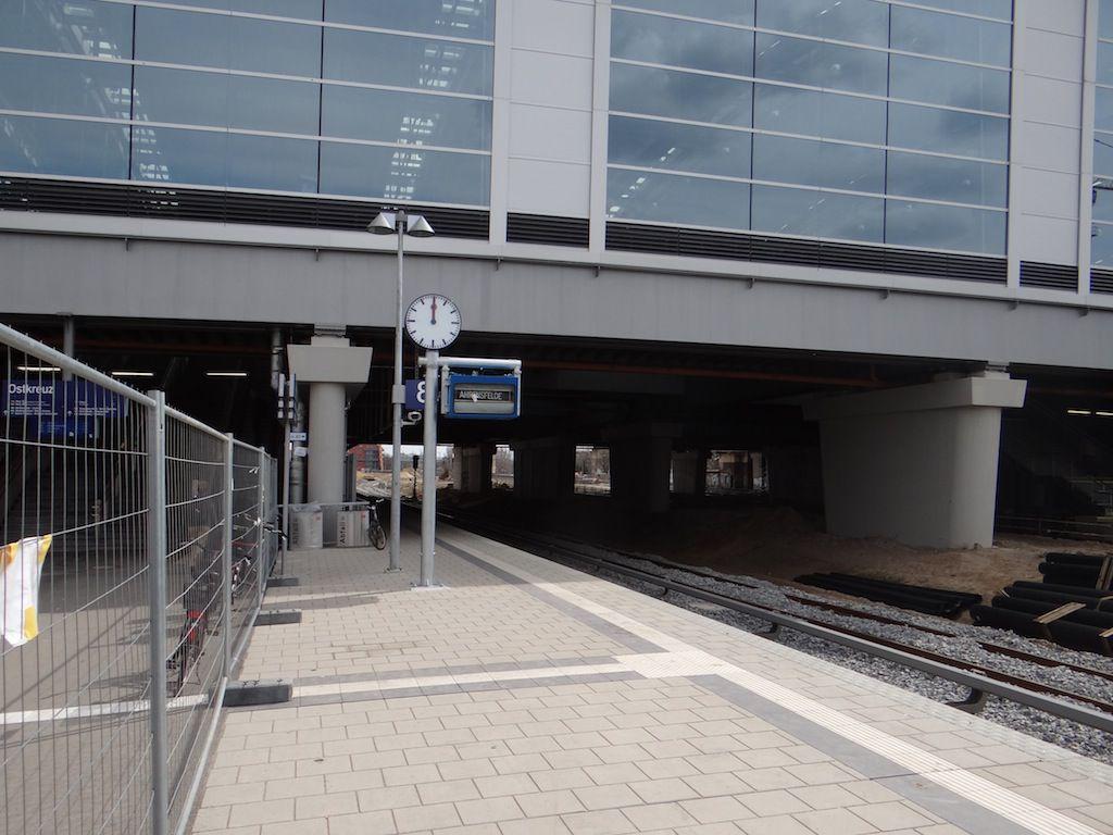 Bahnsteif Rn1 komplett mit Fahrzielanzeiger