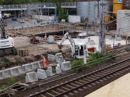 Südliche Bahnsteigkante des Bahnsteigs Ru