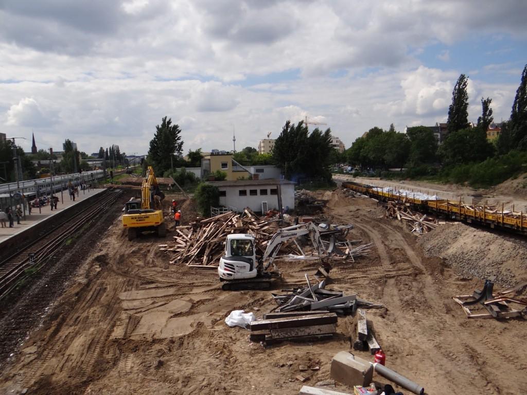 Der alte Bahnsteig D ist fast abgerissen