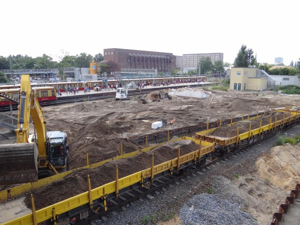 Hier wird ein weiteres A100 Teilstück gebaut