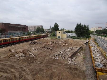 Der Bahnsteig D ist nahezu komplett abgetragen