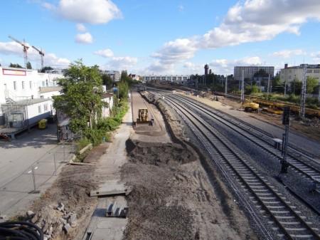Gleis für die östliche Einfahrt des DB-Nachtzugwerks