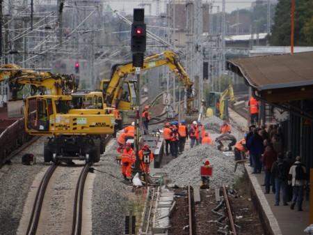 Sofort hat man mit dem Gleisbau begonnen