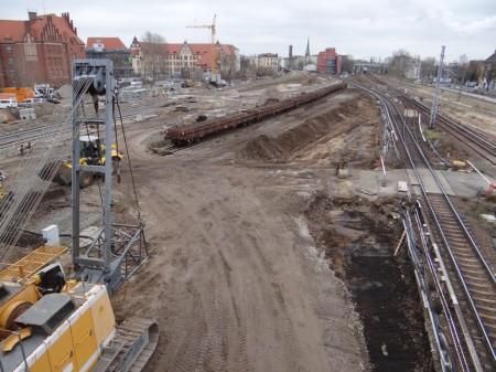 Zwischen den Gleisen der Ostbahn