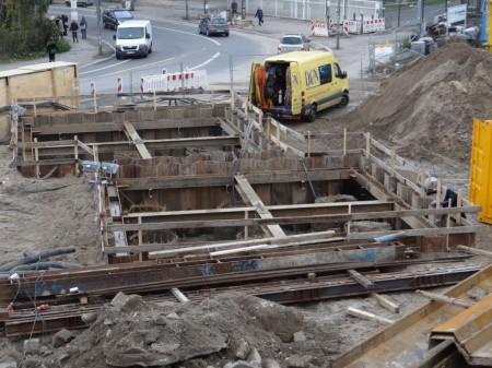 Baugrube der Brückenpfeiler am Markgrafendamm
