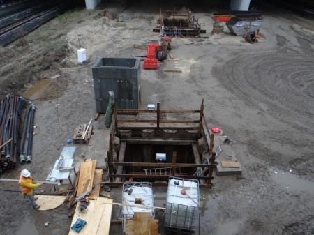 Baugrube eines Versorgungsschachtes