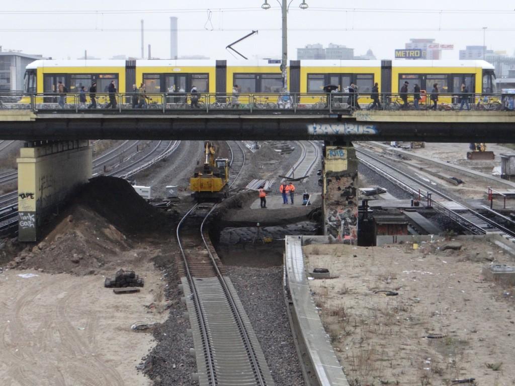 Herstellen des Plenums unter der Warschauer Brücke