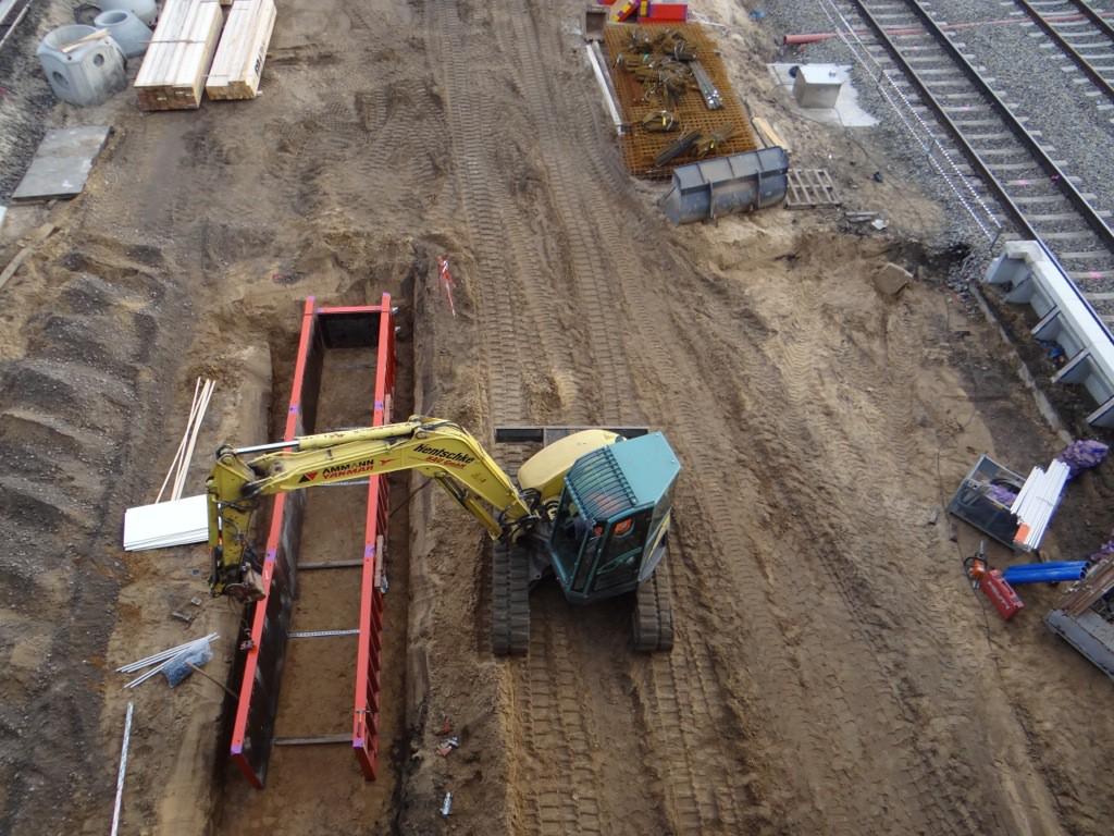 Baubeginn der 2. Bahnsteigkante am unteren Regionalbahnsteig