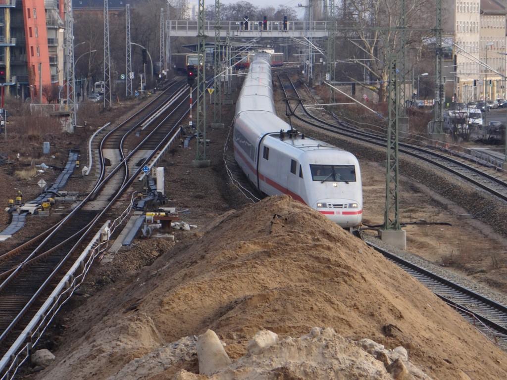 Ein ICE vom Werk Rummelsburg auf dem Weg zum Ostbahnhof