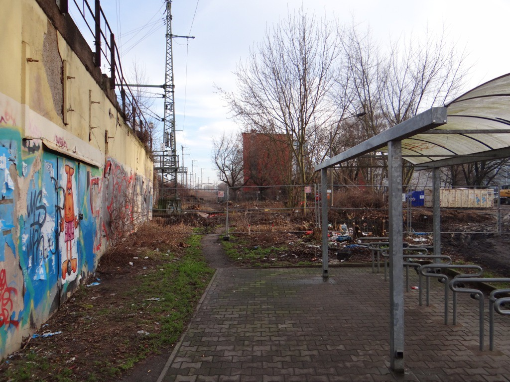 Blick nach Osten, hier mussten keine Garagen abgerissen werden