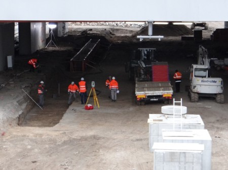 Aufbau des Bahnsteig D unter der Ringbahn