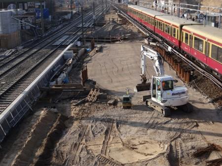 Baustelleneinrichtung zwischen den Gleisen