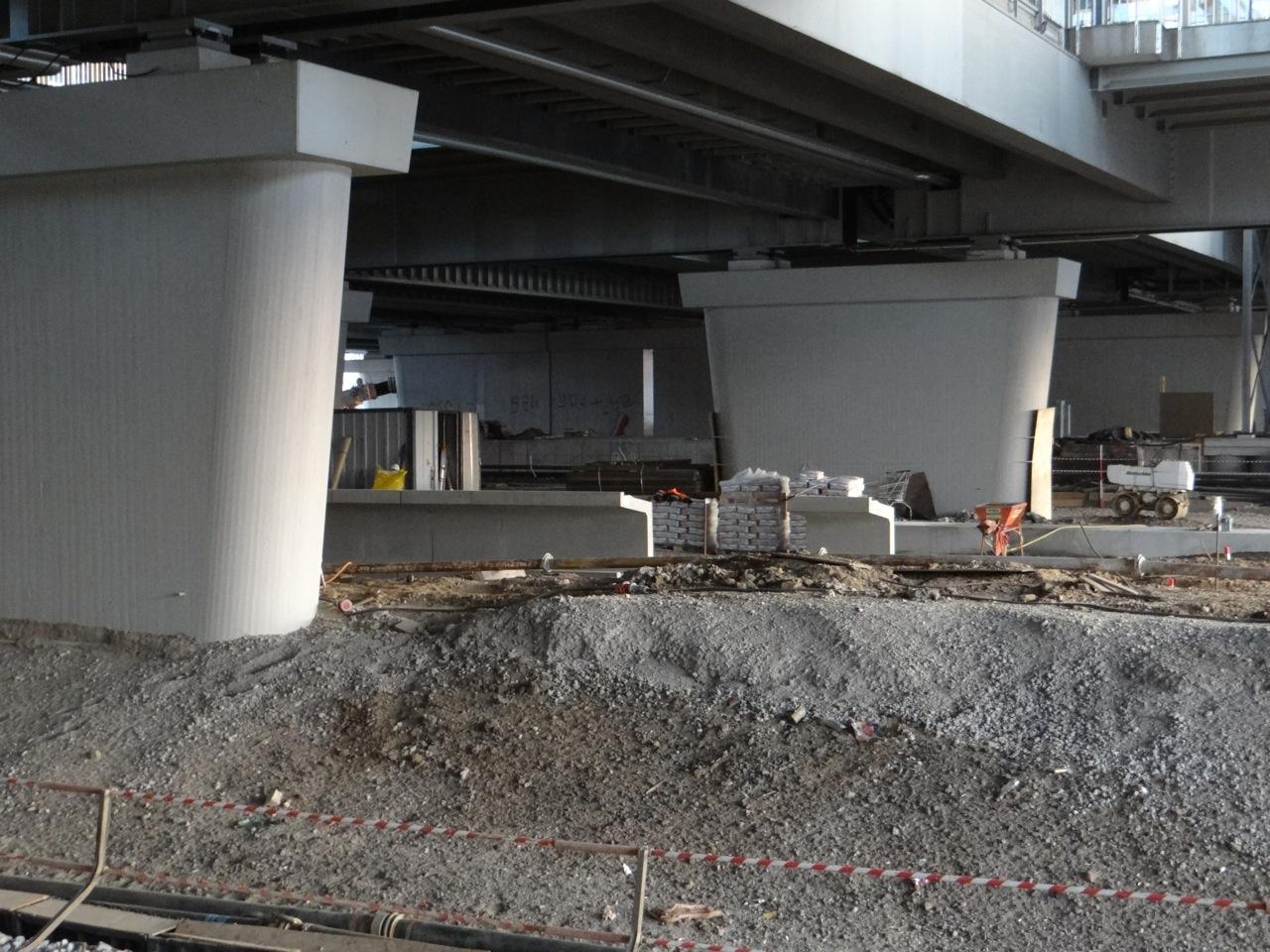 Der neue Bahnsteig D vom Bahnsteig Rn1