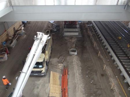 Betonpumpe Bahnsteig Ru