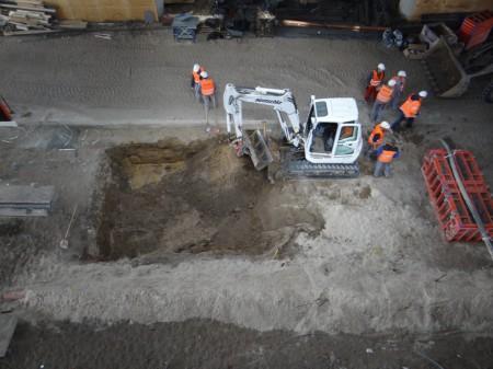 Fundament für den Aufzug Bahnsteig Ru