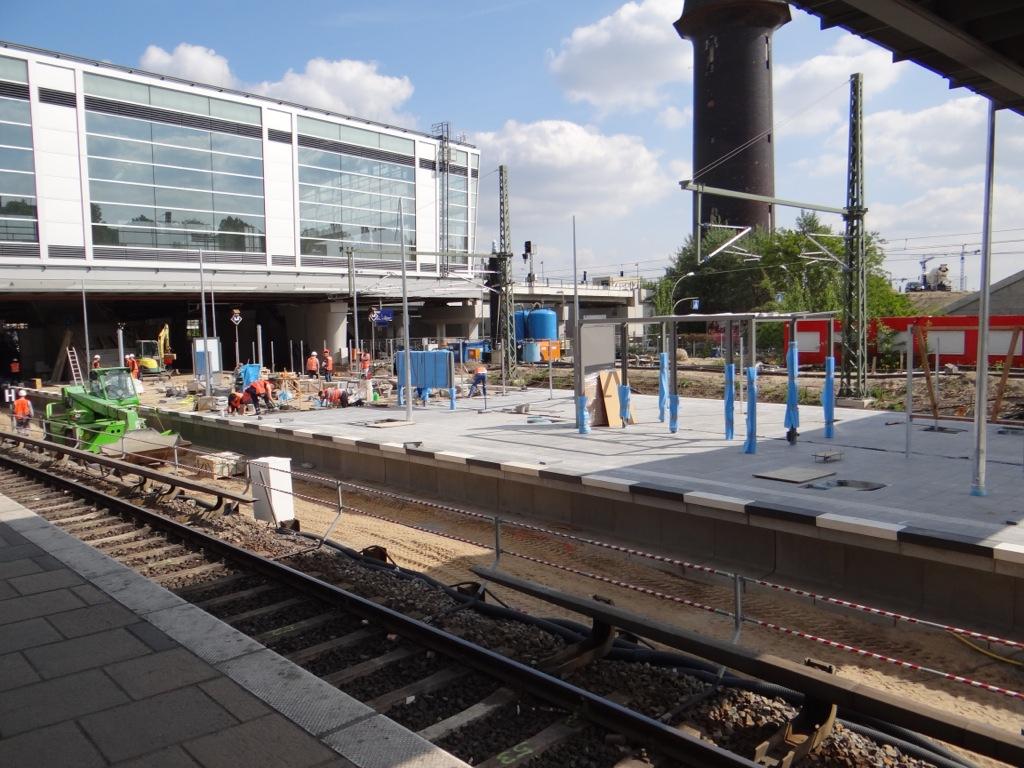 Der Bahnsteig Ru nimmt mehr und mehr Form an