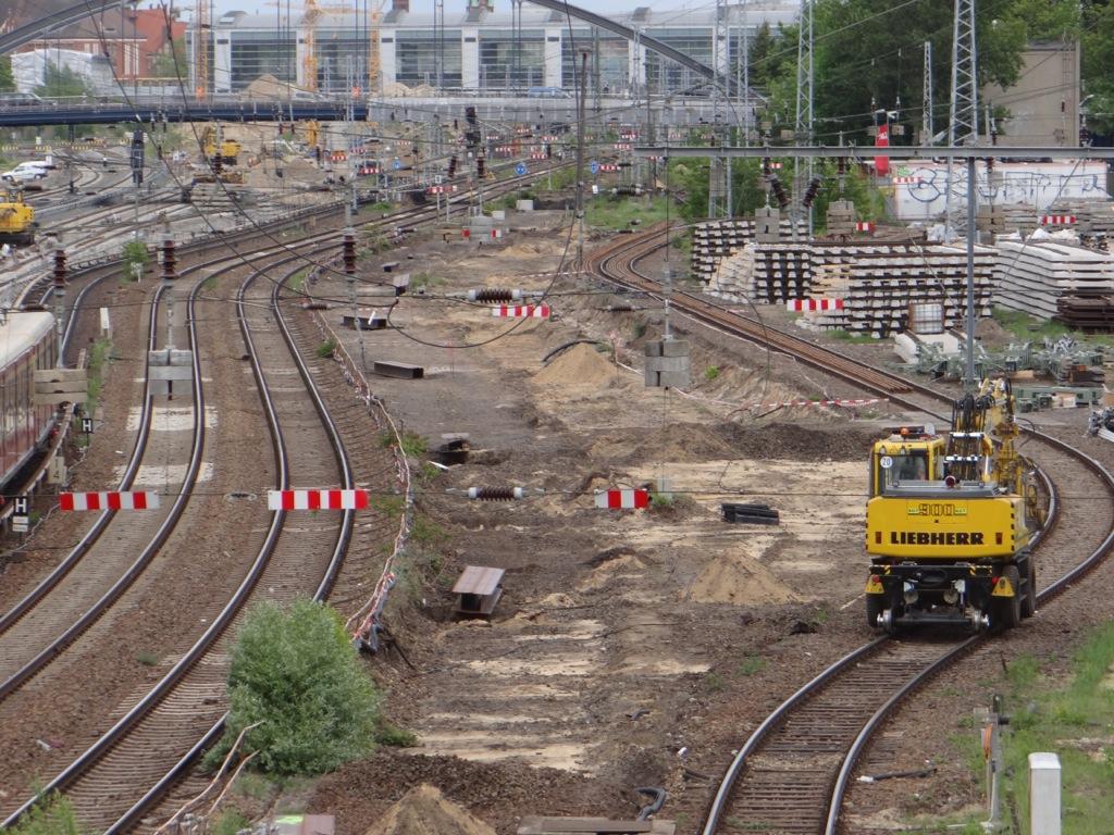 Gleisjoche liegen zum Einbau bereit