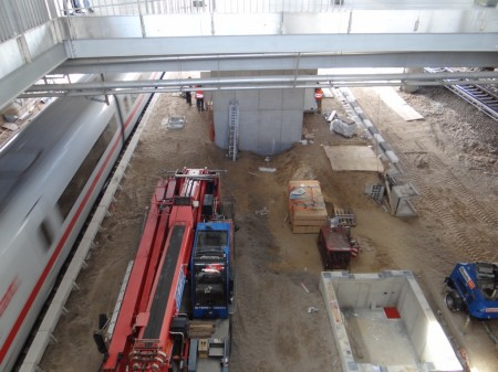 Einbau des Fahrstuhls Bahnsteig Ru nach F