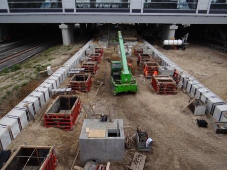 Fundamente für das Bahnsteigdach