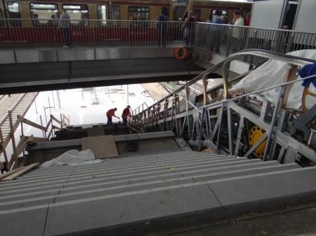 Treppe Bahnsteig Ru