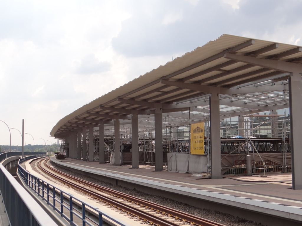 Bahnsteig Ro