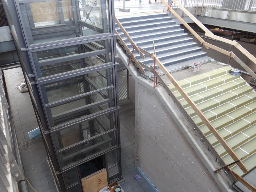 Treppe Bahnsteig D