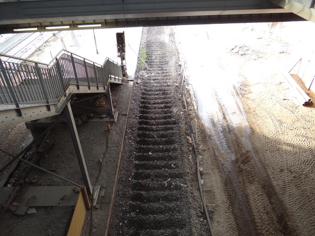 Letztes Gleis vom Bahnsteig E