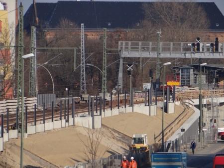 Aufbau der Schallschutzwand in Rummelsburg