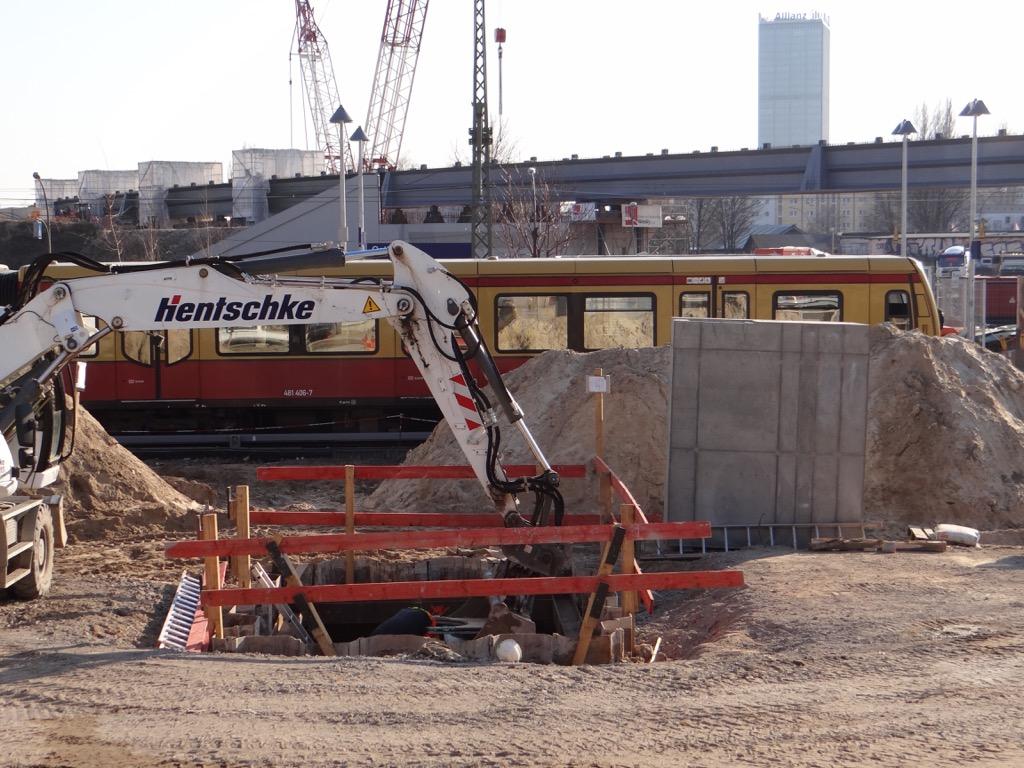 Baustelle des neuen Bahnsteigs E